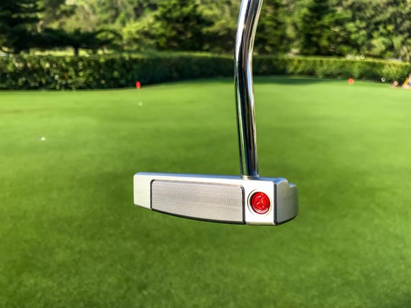 New 2018 Select Fastback Tour putter. At the Daikin Orchid Ladies Golf Tournament in Japan.