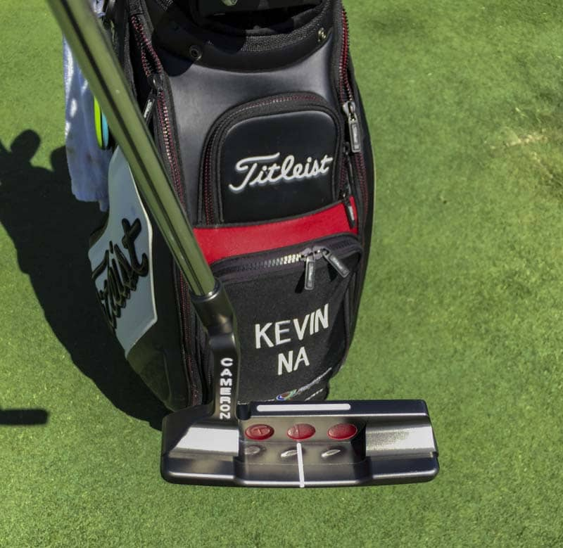 Check out the custom sight line on the topline of Kevin Na's Newport 2.